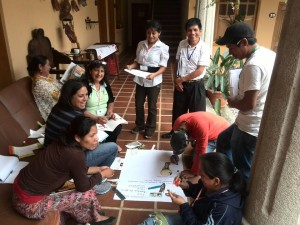 Volunteer community leaders agree on the benefits of creating the association of the network of community libraries in Guatemala.